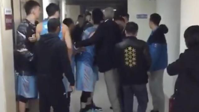 CBA奇葩绝杀导致赛后球员冲突