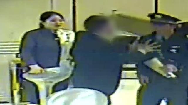 开房遭拒袭警,男子被催泪瓦斯制服
