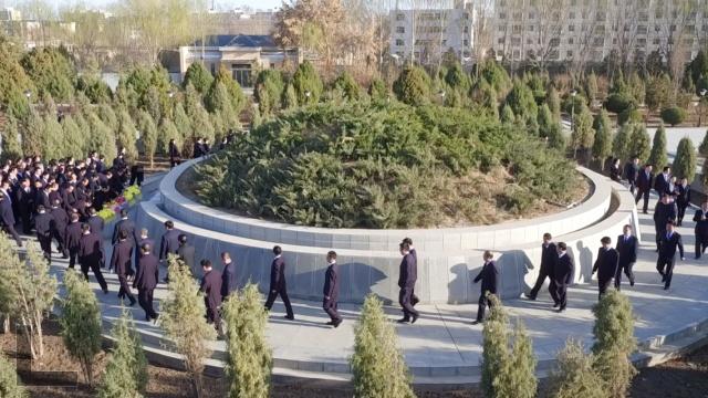 红军西路军纪念馆:每天万人公祭