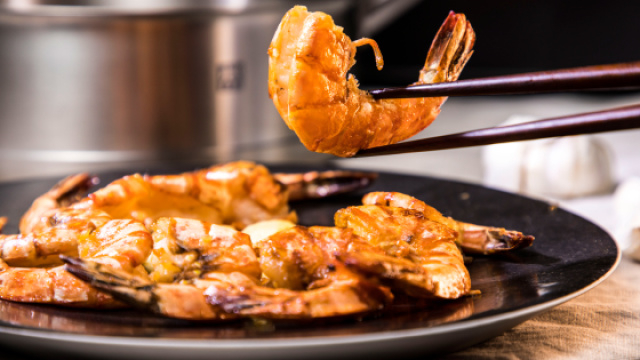 把虾做好很简单,一种酱汁就搞定!