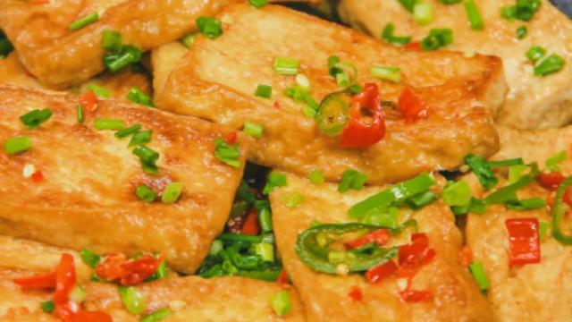 这样煎豆腐,做法简单,香软多汁!
