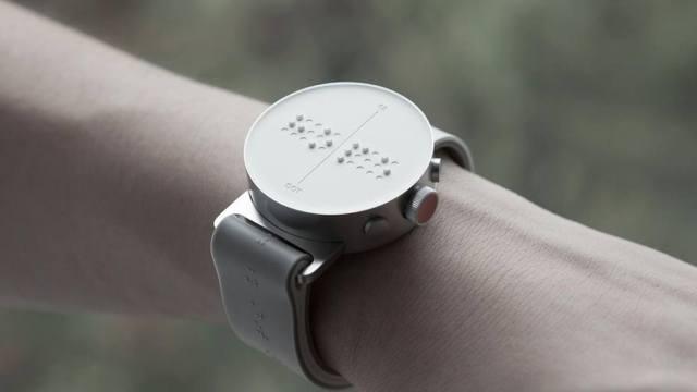"""有了这款表,盲人能自己""""看""""时间"""
