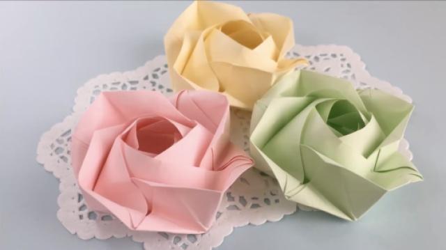 一张纸折出一个四角玫瑰~