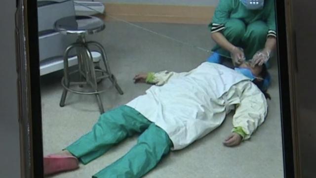 怀孕医生手术室累晕,醒来又做3台