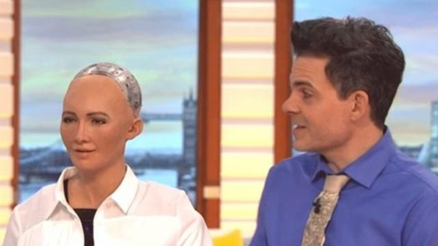 机器人女主播上电视,太可怕了