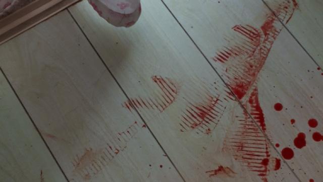 投诉申通快递,女子遭入室血腥殴打