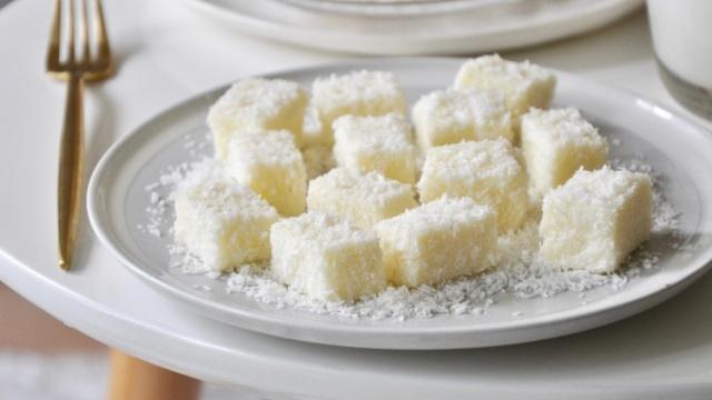 椰蓉牛奶小方~不用烤箱的小甜点