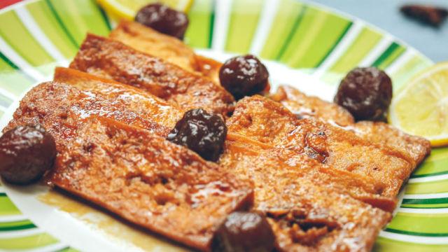 做豆腐时只需加点它,比肉还香!