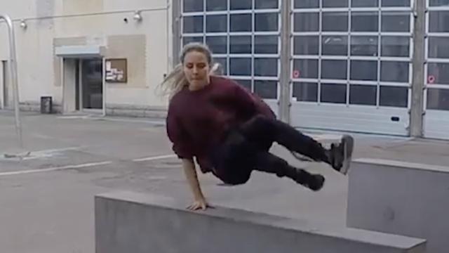 这么帅的女跑酷高手你见过吗?
