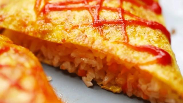 超简单的蛋包饭,好吃哭了!