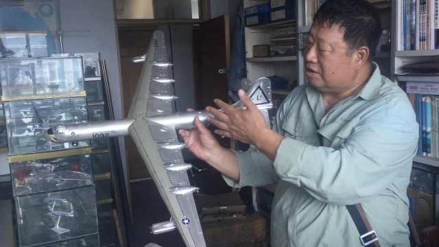 6旬大爷收藏1400飞机模型,想办航展