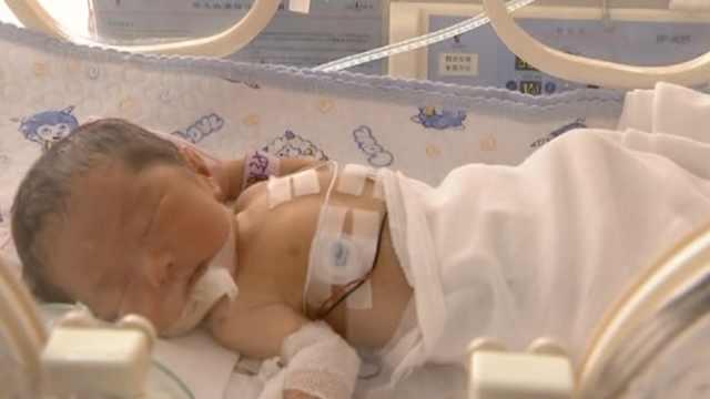 患病女孩意外怀孕,冒险产女后离世