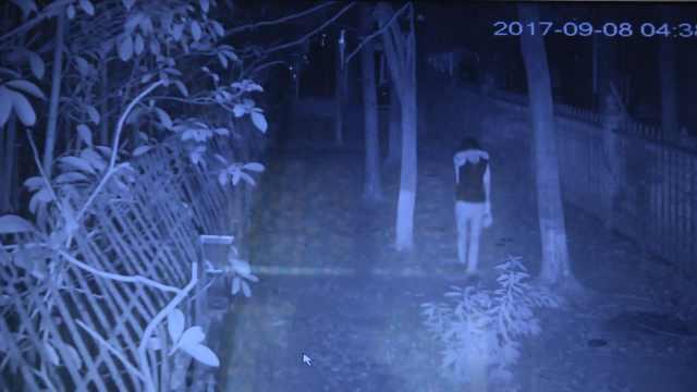 途经监控全程挡脸,提袋男子是窃贼?