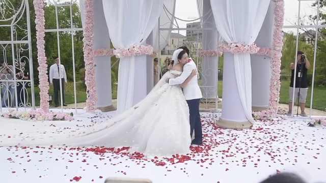 奥运冠军李晓霞大婚,马龙到场祝贺