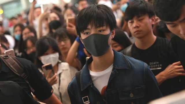 王俊凯被老师点名:摘下口罩我看看
