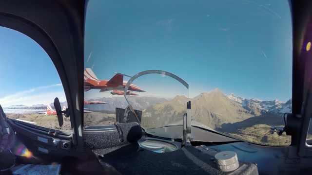 跟瑞士军机飞行员,飞越阿尔卑斯山