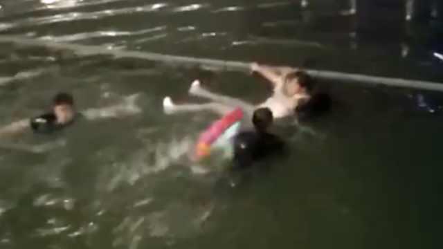 与男友吵架心情不好,她竟酒后跳河