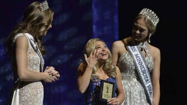 美国唐氏症女孩参加选美比赛获奖