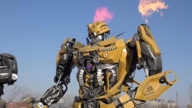 电焊工神还原变形金刚,会喷火走路