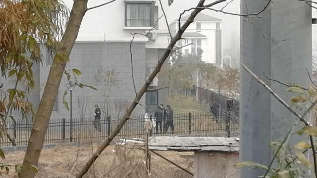 江苏扬州一高校29岁女教师坠楼身亡