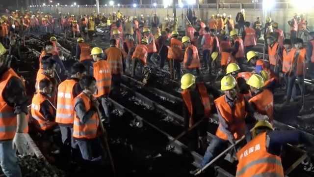 中国9小时建成新铁路,惊呆外媒