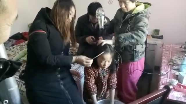 6岁娃和残疾爸相依为命,想穿新棉袄