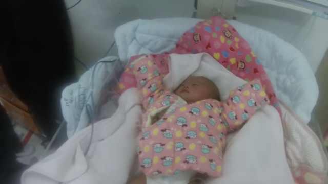 心寒!一月大女婴被弃路边,心脏患病