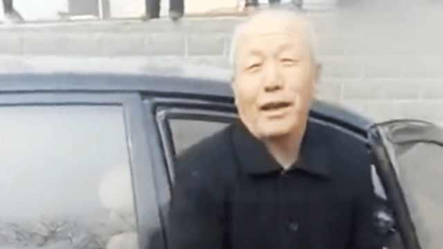 65岁老人下河救人被点赞:救人要紧