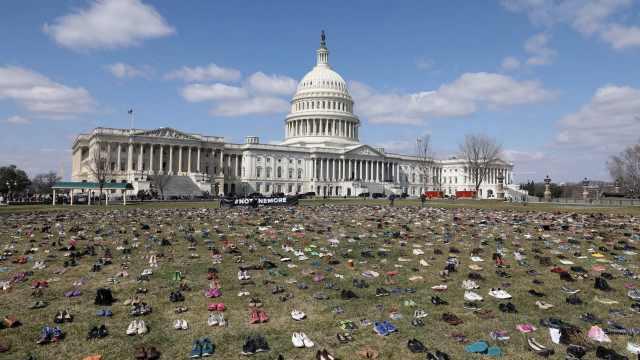 美国会大厦惊现7千双鞋,竟是因为