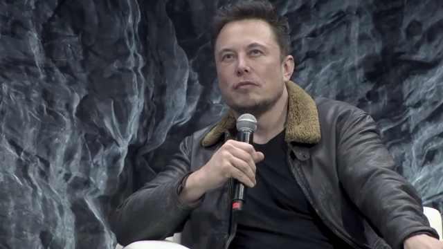 马斯克:我不做商业计划,造火箭很蠢
