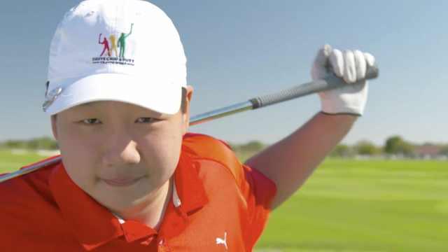 牛!中国13岁男孩入围全美高球决赛
