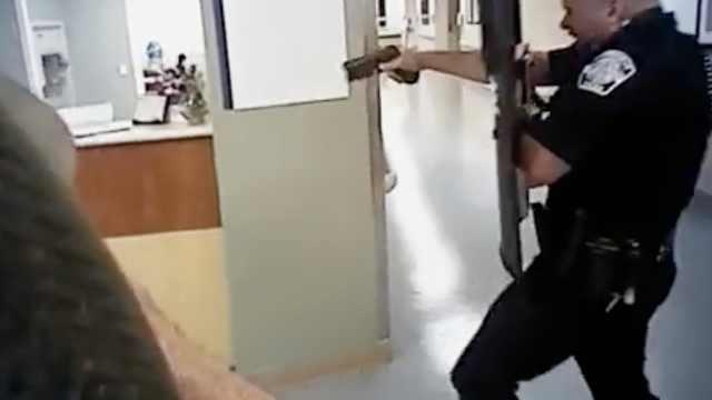 美警察医院射杀76岁嫌犯,视频曝光