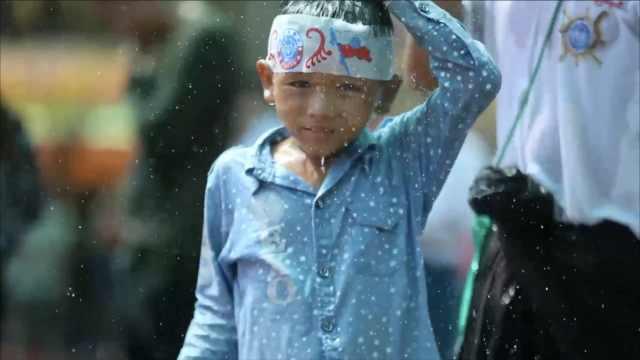 缅甸泼水节全国开party,走哪都被泼