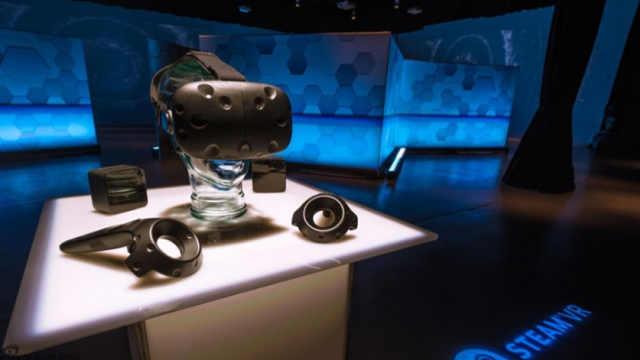 HTC Vive Pro发售啦!无线VR太赞了