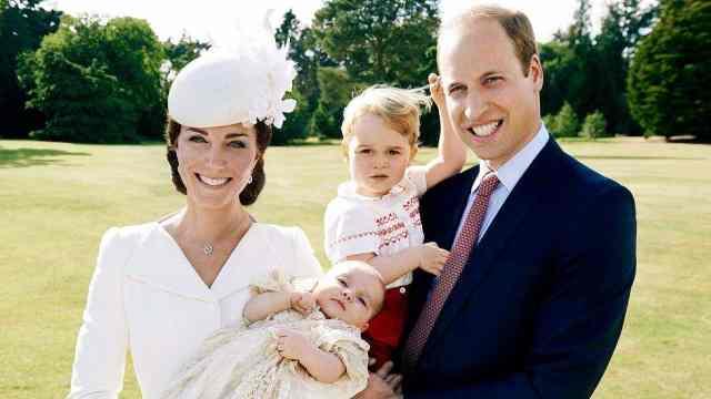 男孩,7斤6两!凯特王妃入院后生了