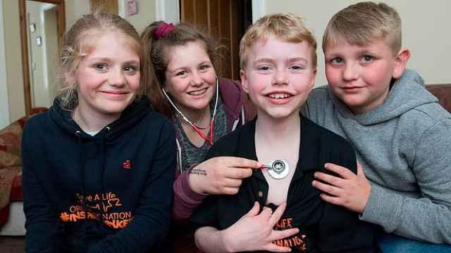 女孩车祸死亡,心脏移植给10岁男孩