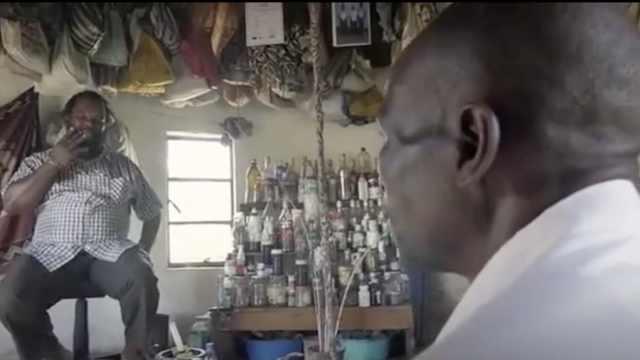 这些南非医生通过聊天,治疗HIV