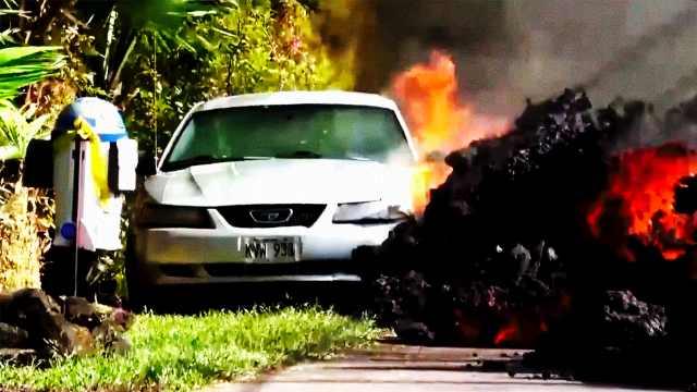 触目惊心!夏威夷滚烫熔岩横穿公路