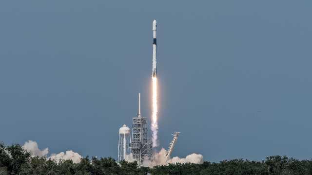 猎鹰9号火箭终极版发射,能用100次