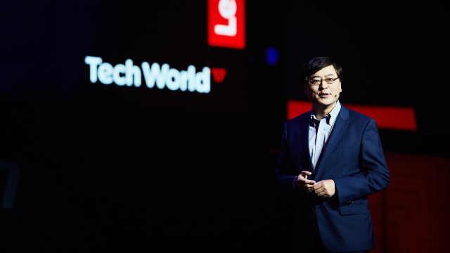 杨元庆:还远远不到放弃手机的时候