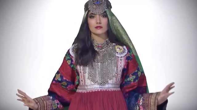 除了洁白婚纱,这些传统婚纱美爆了