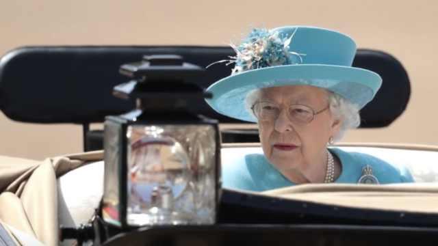 多了孙媳少了丈夫,女王庆生不笑了