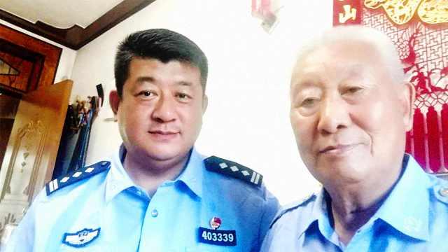 父子警察难相聚,他岗上敬礼送祝福