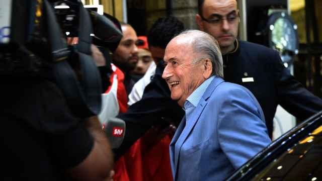 看C罗?前FIFA主席抗禁令现身世界杯