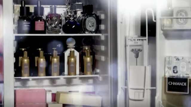 戚薇冰箱装满香水,有一瓶珍藏60年