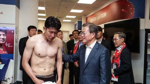 韩一哥痛哭流涕道歉,总统亲自安慰
