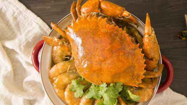 肉蟹煲里的王牌不是蟹而是鸡爪