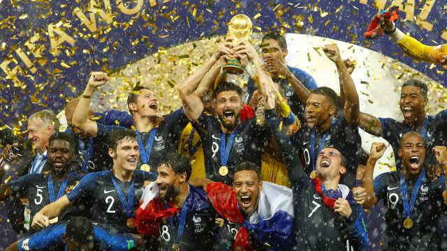 直播:夺冠凯旋!数十万球迷迎法国队