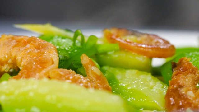 大颗虾干与丝瓜结合,鲜美到极致