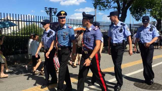 中意警方联合巡逻!上海现外国警察